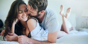 rüyada tanıdık kadınla cinsel ilişkiye girmek