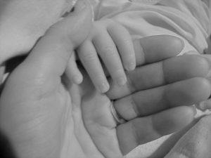 Rüyada Ölen Annenin Elini Öpmek