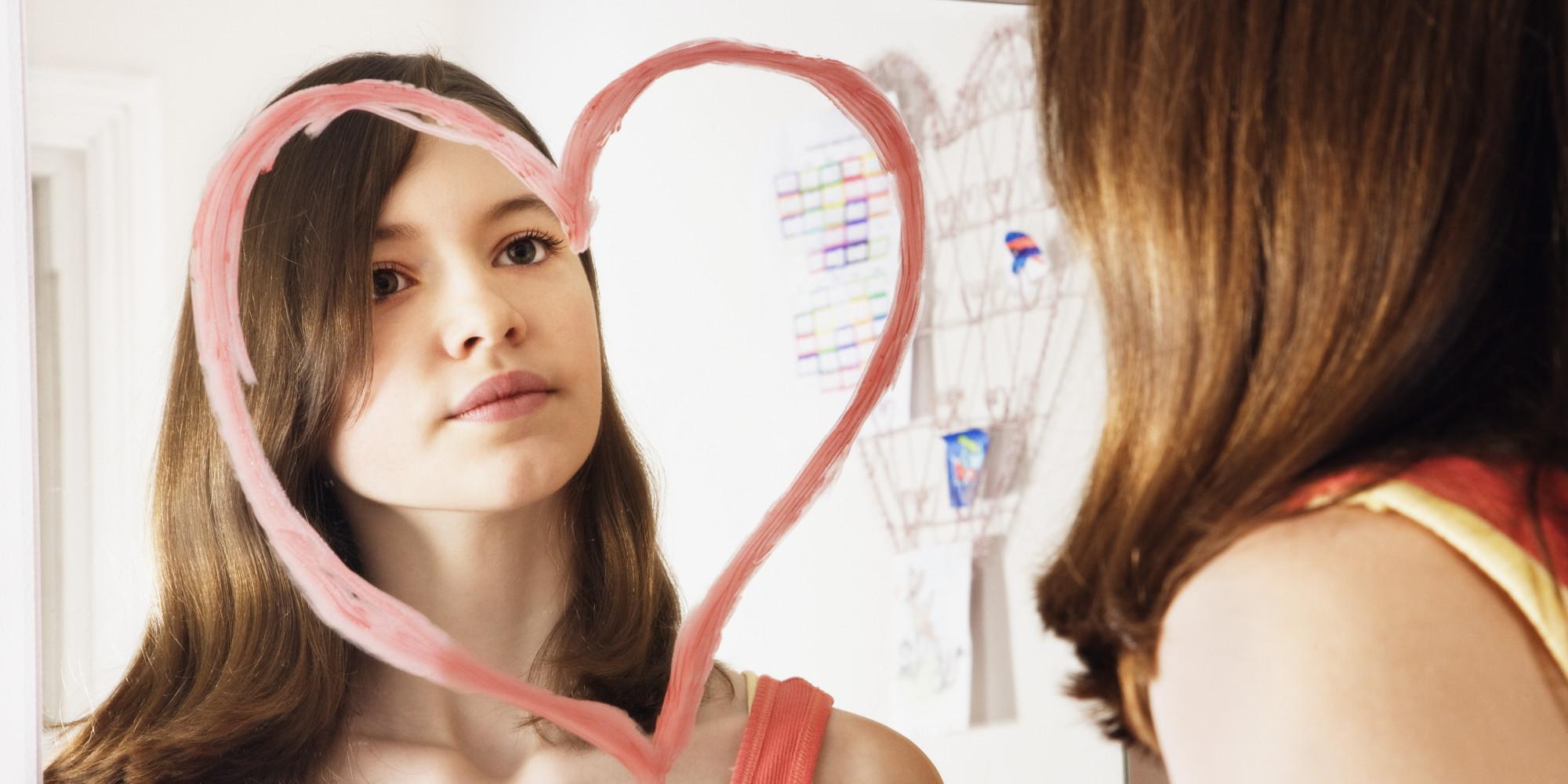 Rüyada Aynada Kendine Bakmak ve Konuşmak
