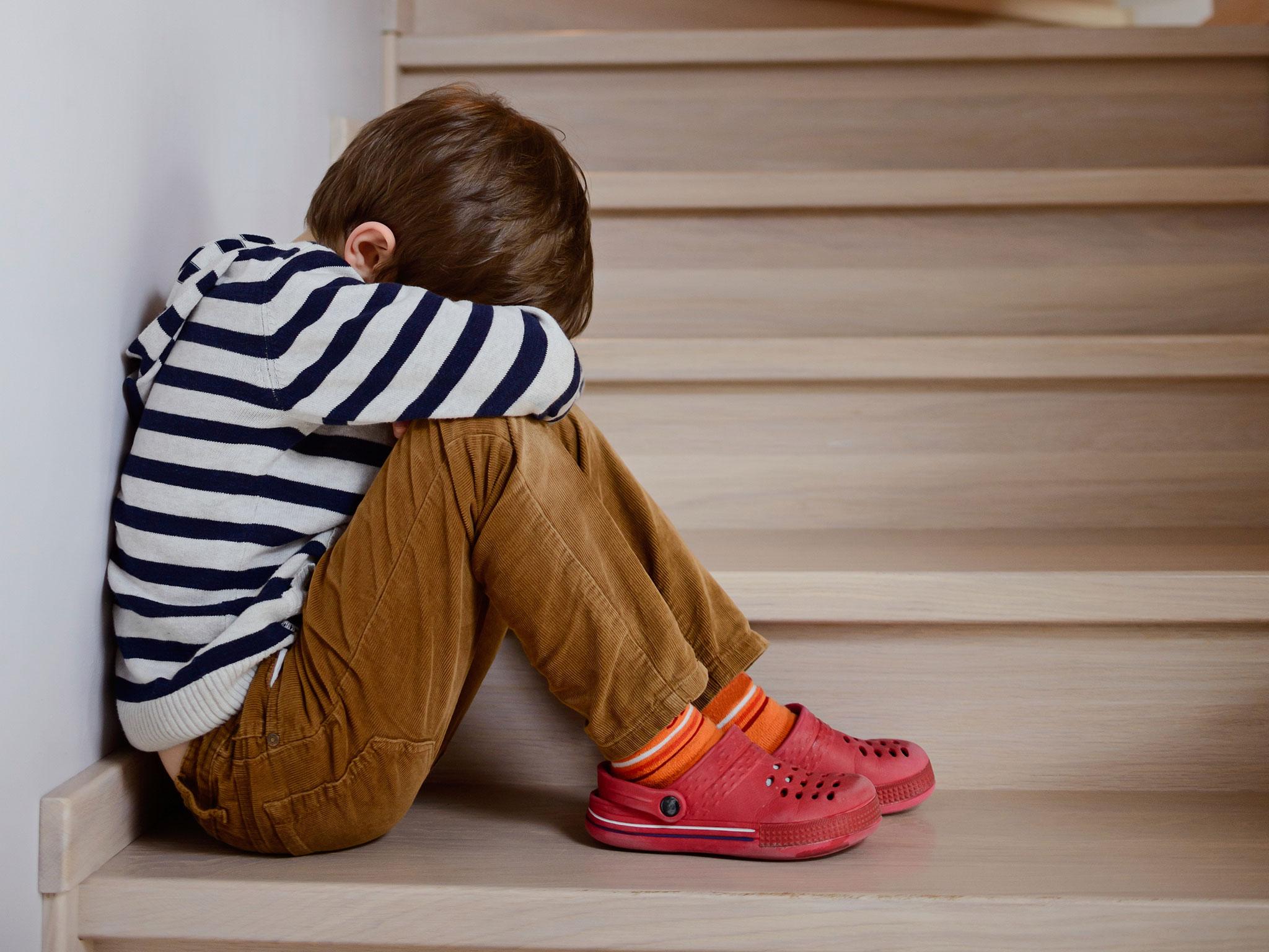 Rüyada Kendi Çocuğunu Dövmek ve Üzülmek