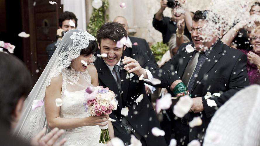 Rüyada Zengin Biri ile Evlenmek