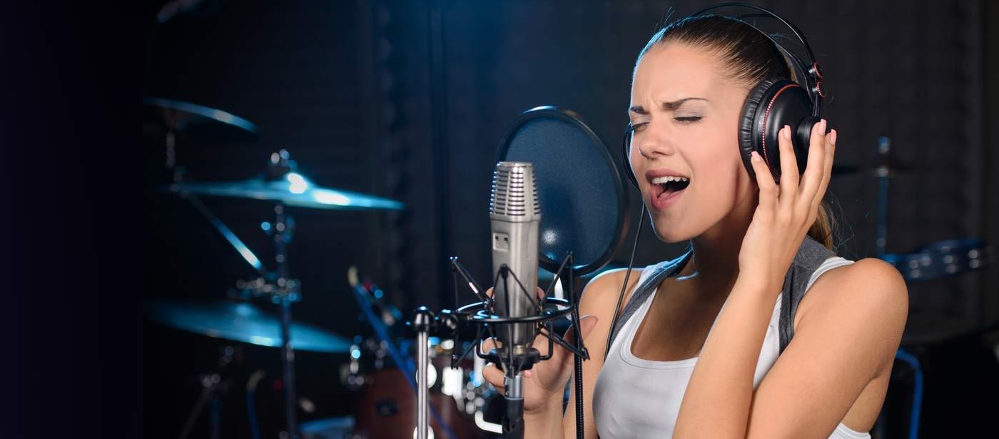 Rüyada Şarkı Söyleyen Birini Görmek
