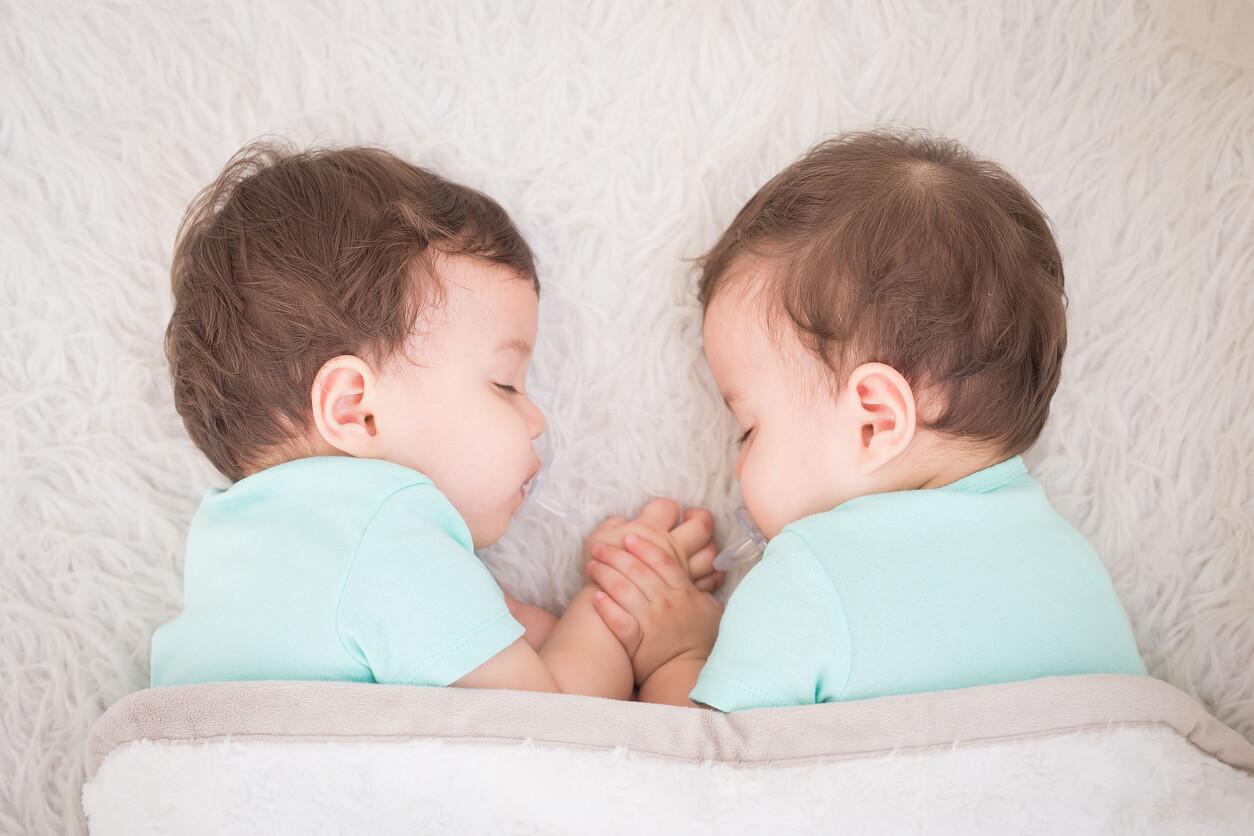 Rüyada ikiz Erkek Bebek Çocuğu Görmek