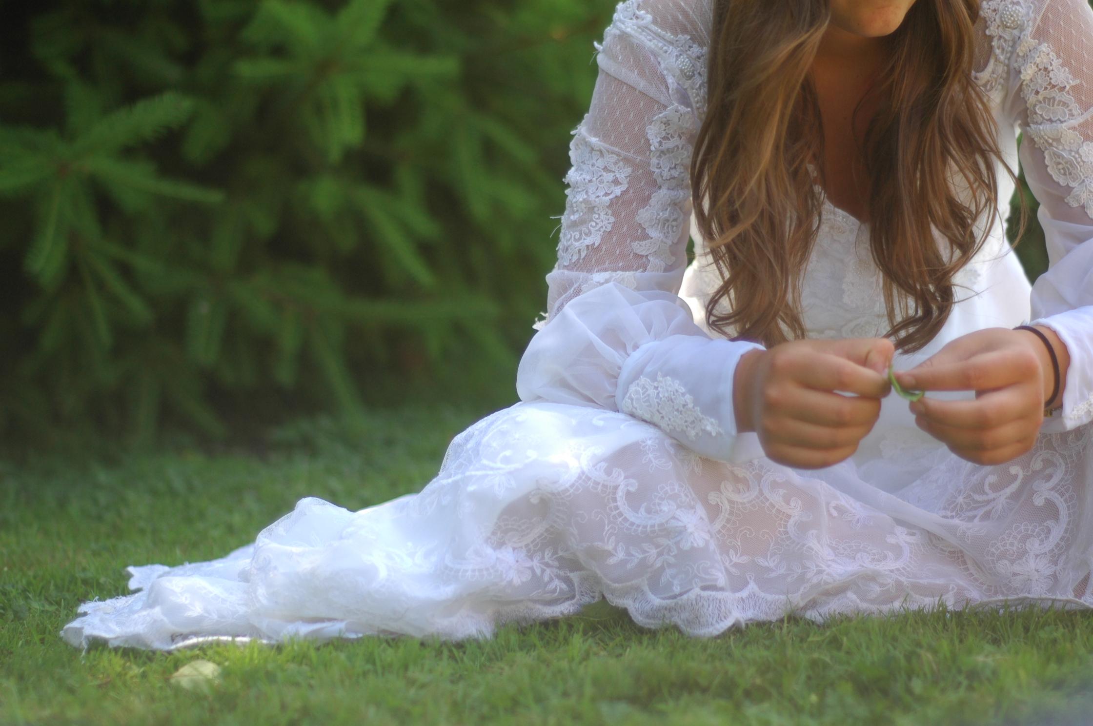 Rüyada Beyaz Elbise Giyen Kadın Görmek