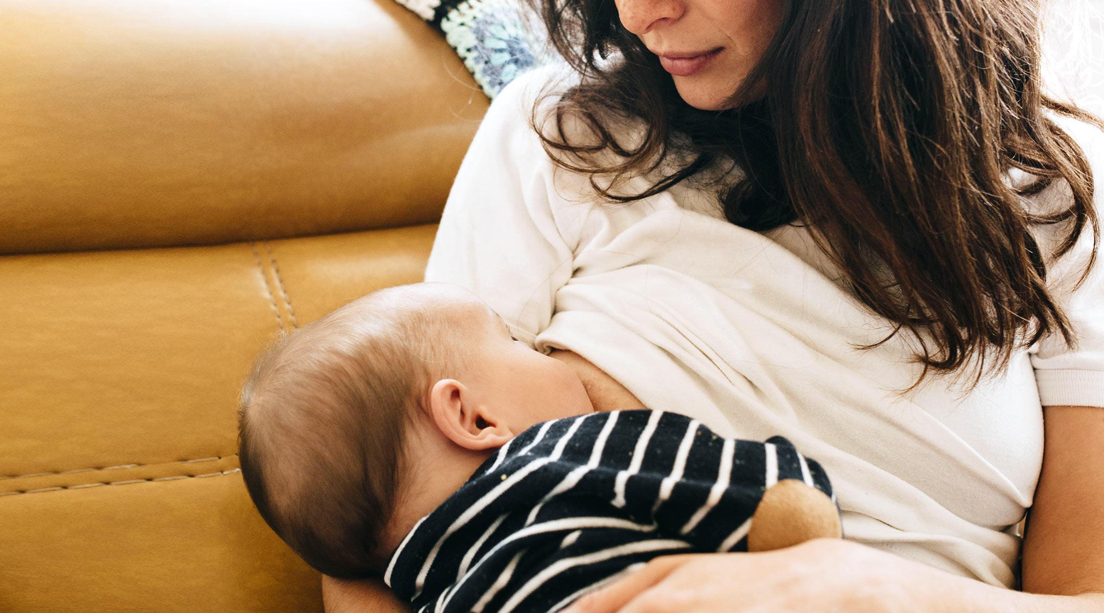 Rüyada Bekar Kızın Bebek Emzirmesi