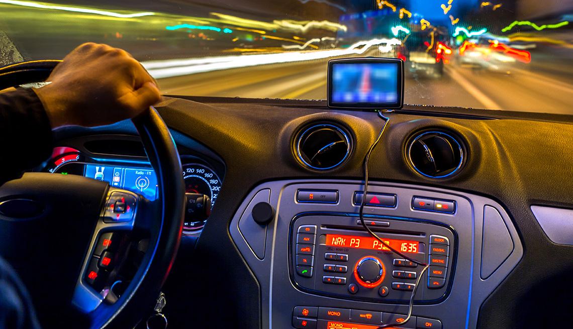 Rüyada Arabayla Bir Yere Gitmek ve Kaza Yapmak