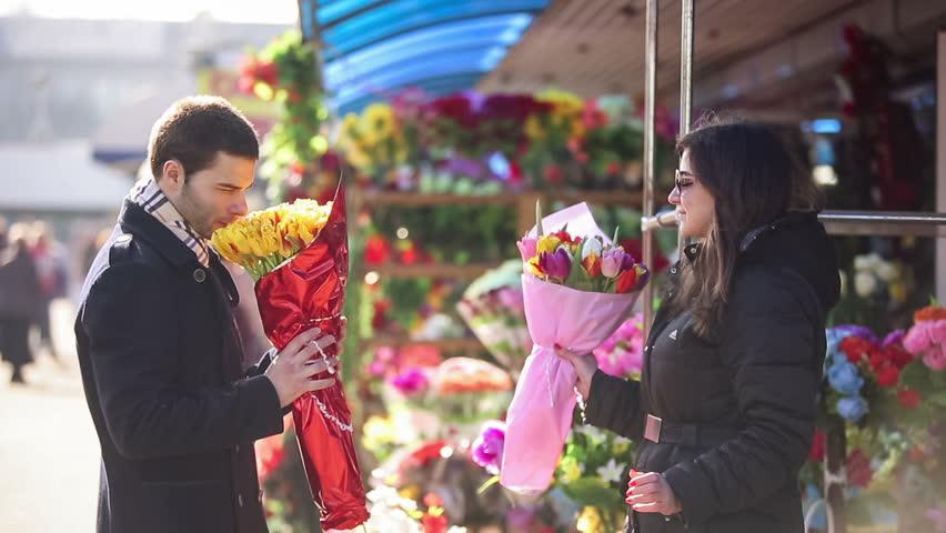 Rüyada Bir Erkekten Çiçek Almak