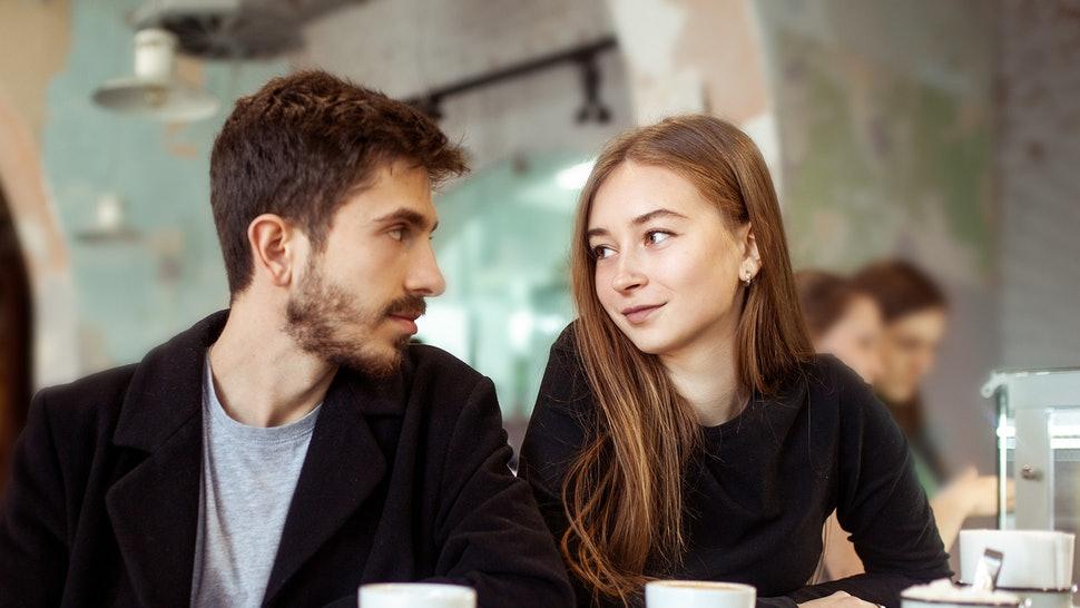 Rüyada Eski Sevgiliyi Başka Kızla Görmek