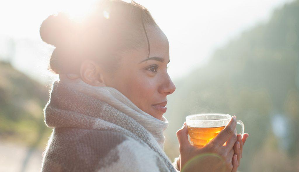 Rüyada Tanıdık Misafire Çay İkram Etmek
