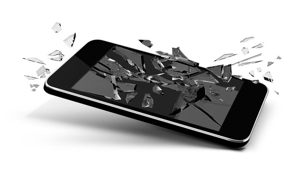 Rüyada Eski Cep Siyah Telefonu Düşerek Kırıldığını Evde Görmek