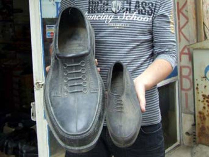 Rüyada Yırtık Lastik Bol Ayakkabı Ayakkabılıkta Görmek