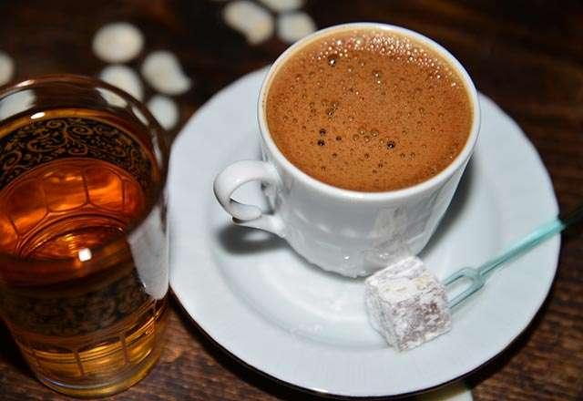 Rüyada Porselen Fincanda Sıcak Kahve Olduğunu Görmek